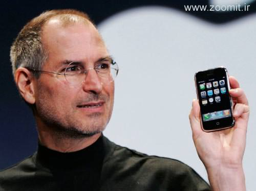 steve-jobs-holding-iphone